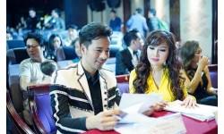 Cặp đôi Đoàn Thanh Tài và Kavie Trần xuất hiện hoàn hảo sánh bước bên nhau