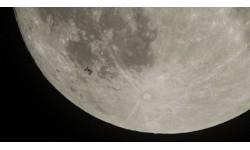 Tàu vũ trụ Trung Quốc đổ bộ thành công lên mặt tối của Mặt trăng