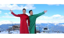 Quốc Cơ, Quốc Nghiệp cởi trần diễn xiếc dưới cái lạnh -10 độ C tại Canada