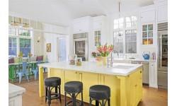 Căn bếp nhỏ trở thành điểm nhấn khó quên cho ngôi nhà với 10 gam màu sắc tuyệt đẹp