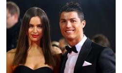 Dàn ca sĩ, người mẫu ôm hận khi yêu Ronaldo và các sao bóng đá