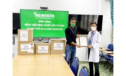 HEINEKEN Việt Nam ủng hộ máy thở và máy theo dõi bệnh nhân cho bệnh viện Bệnh Nhiệt Đới TP.HCM