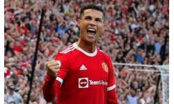 Ronaldo vượt Messi, thu nhập khủng nhất làng túc cầu