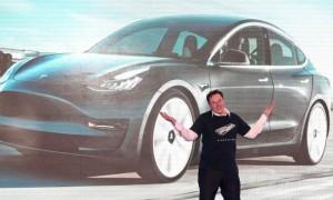 Tesla liên tục xô đổ kỷ lục lợi nhuận nhờ xe điện